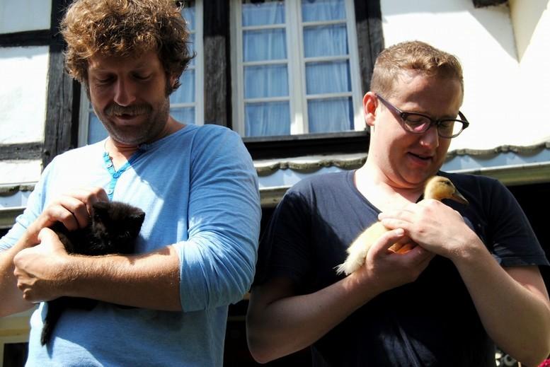 Gotti Gottschild und Sven van Thom - Tiere streicheln Menschen